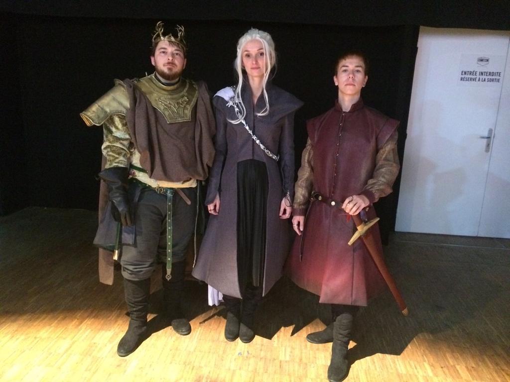 Daenerys retrouve de vieilles connaissances au #ComicConParis #GameofThrones @OCSTV