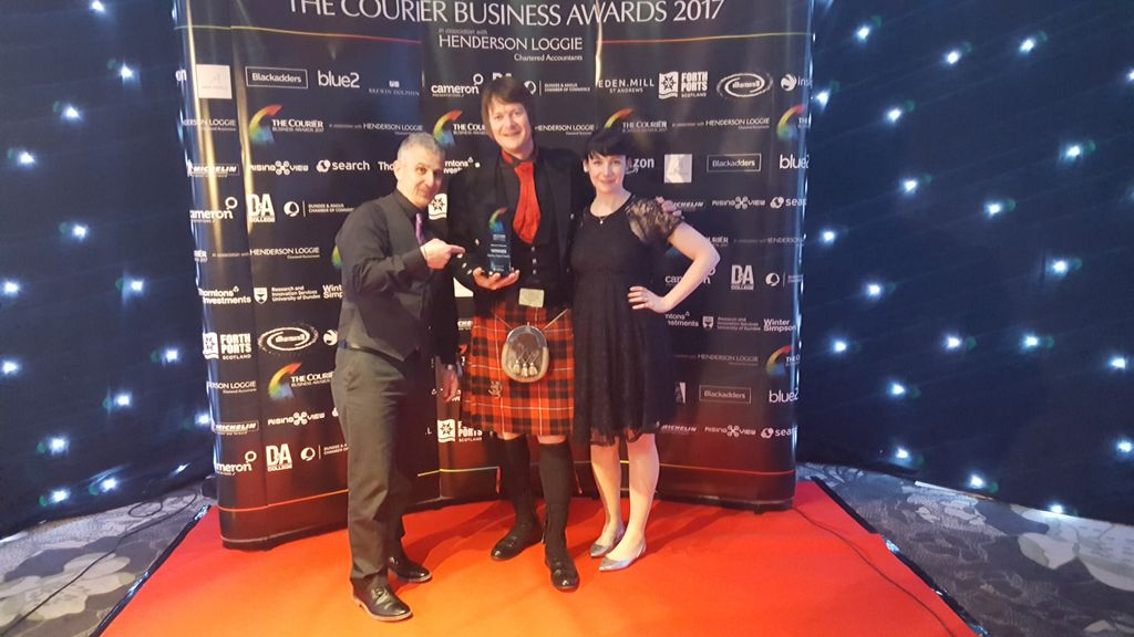 Lots of our graduates &amp; spinouts took to the stage last night, winners at the annual #CourierBizAwards  Well done all! #mostinnovative <br>http://pic.twitter.com/XNmYS8OG31