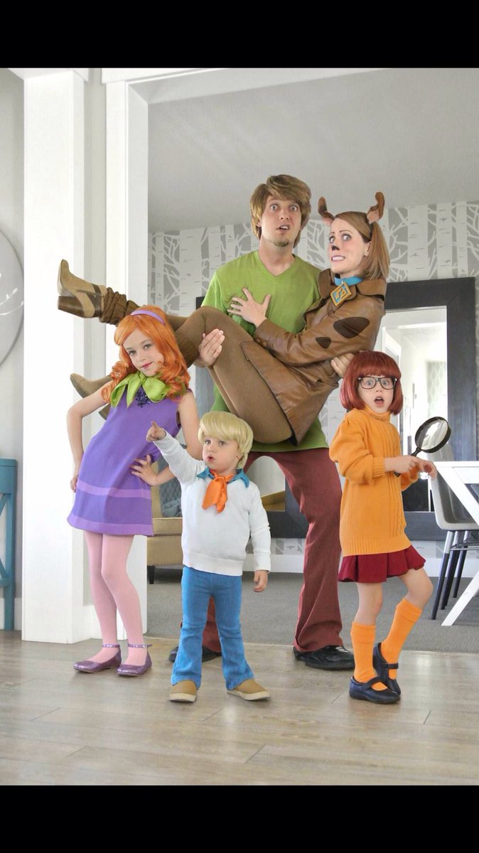 Halloween Costumes Ideas For Family Of 5.Halloween Costumes On Twitter That S It Best Family