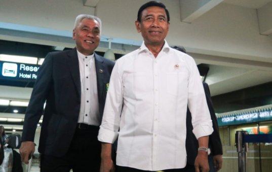 Alex Tirta dan Wiranto