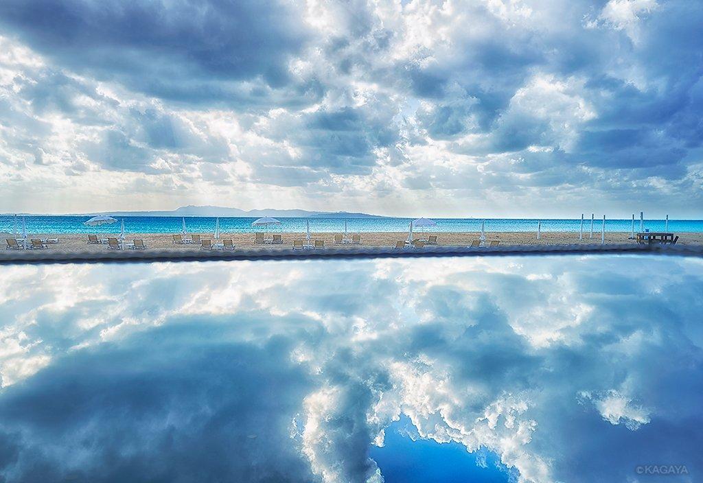 光あふれる空と海。(先週沖縄にて撮影) 今日もお疲れさまでした。明日もおだやかな一日になりますように。