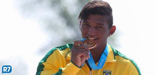 Isaquias Queiroz 'usa' filho para mirar ouro em Olimpíada de 2020  https://t.co/xJrubYfiPX