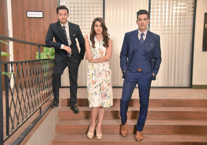 Inspired by how much u'v dedicated 2this vision. @ItsZayedKhan like never before guys. #Haasil tonite 9.30pm on Sony tv. Don't miss it ! https://t.co/1IVNOxhl3o