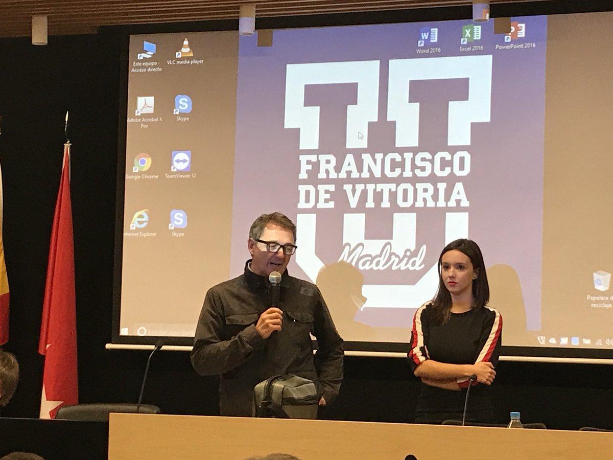 Comienza en la @ufvmadrid el preestreno de @AMiManeraPeli en la @ufvmadrid, el largo de @saravruiz y @RaquelSantos @AlumniUFV #ComAvUFV