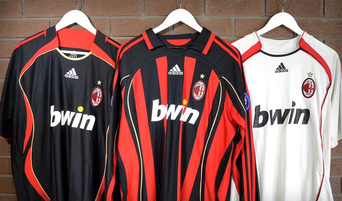 new products 25585 b8081 Classic Football Shirts on Twitter: