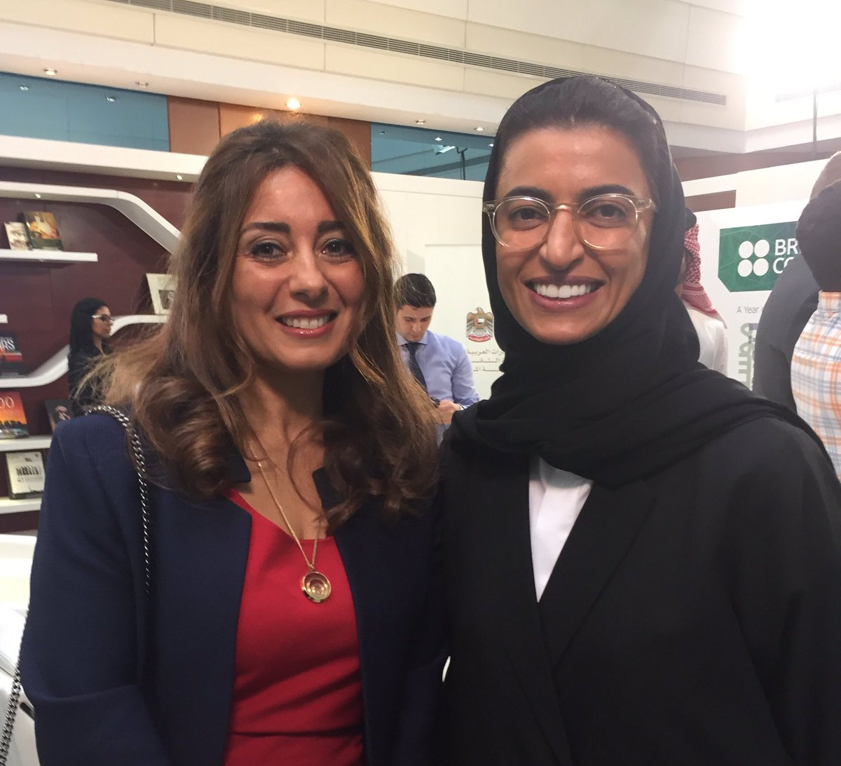 Honoured to meet the new UAE MInister of Culture. Wonderful to see successful women at the top!   @ukinuae @DubaiOpera https://t.co/5MCP39D5O9