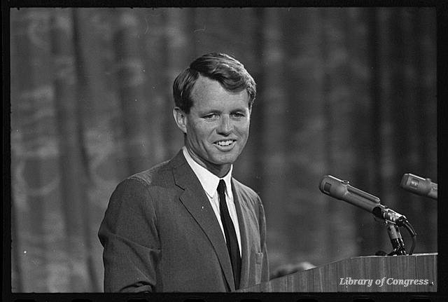 Robert F. Kennedy, senator from #NY 1965-1968, was born #OTD in 1925  http:// bit.ly/1kMRwL1  &nbsp;  <br>http://pic.twitter.com/58wNoVgovO