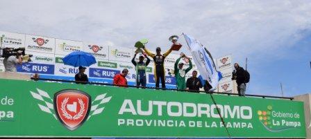 Provinciales | Multitudinaria presentación del Turismo Carretera en el Autódromo Provincia de La Pampa