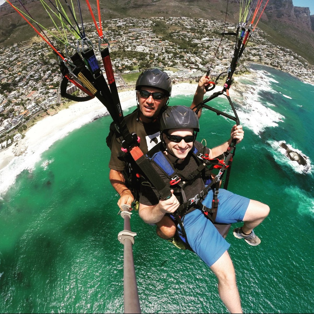 Cape Town views are fantastic!!  #tandemparagliding #capetown #southafrica #Johannesburg #flyingmammut #paragliding #parapente #Halloween<br>http://pic.twitter.com/Pd1l5SL3Ka