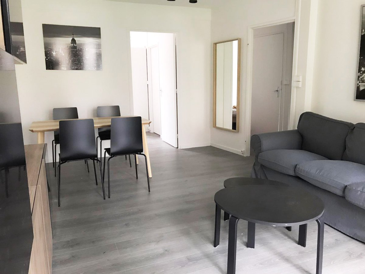Robyn On Twitter Insead Mba A Great 2 Bedroom Apartment Available In Fontainebleau For Sharing Or Family 1650 All Inclusive