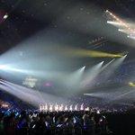 渡辺麻友 卒業コンサート~みんなの夢が叶いますように~始まりました!サイリュームがキレイ😊#まゆ卒コ…
