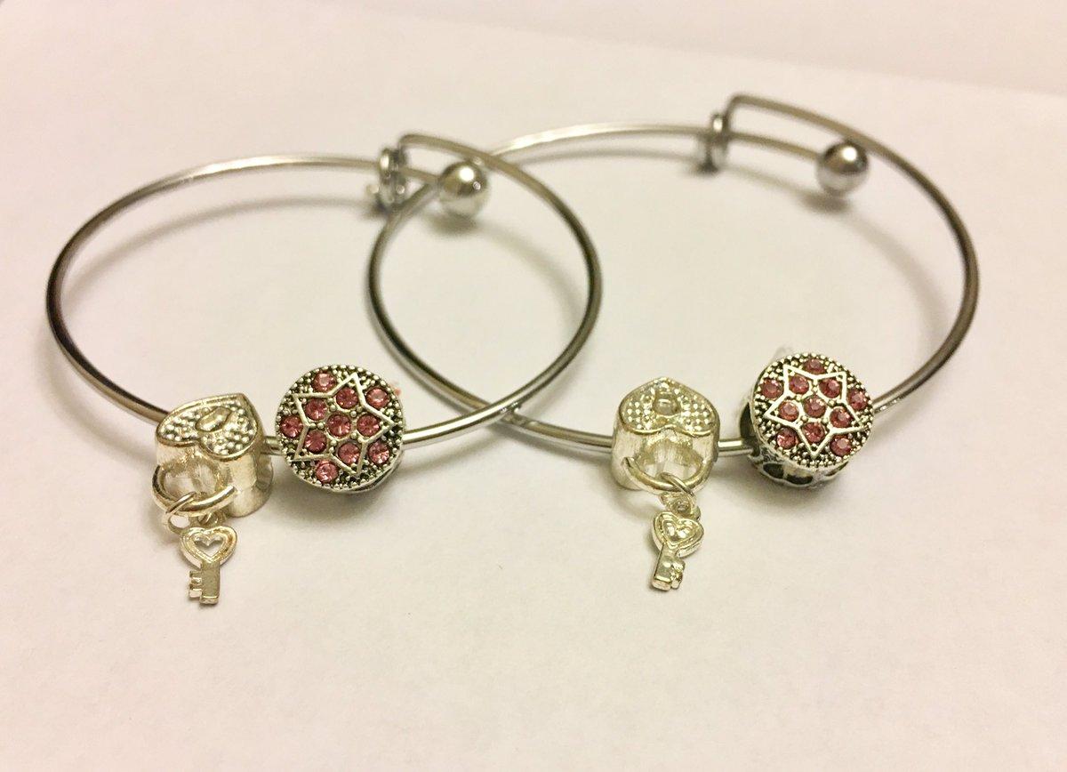 Mommy & Me bracelet duo!  https://t.co/bBHcFKhFQa #MommyAndDaughter #mommyandme ##daughter https://t.co/Znw3pWY1B9