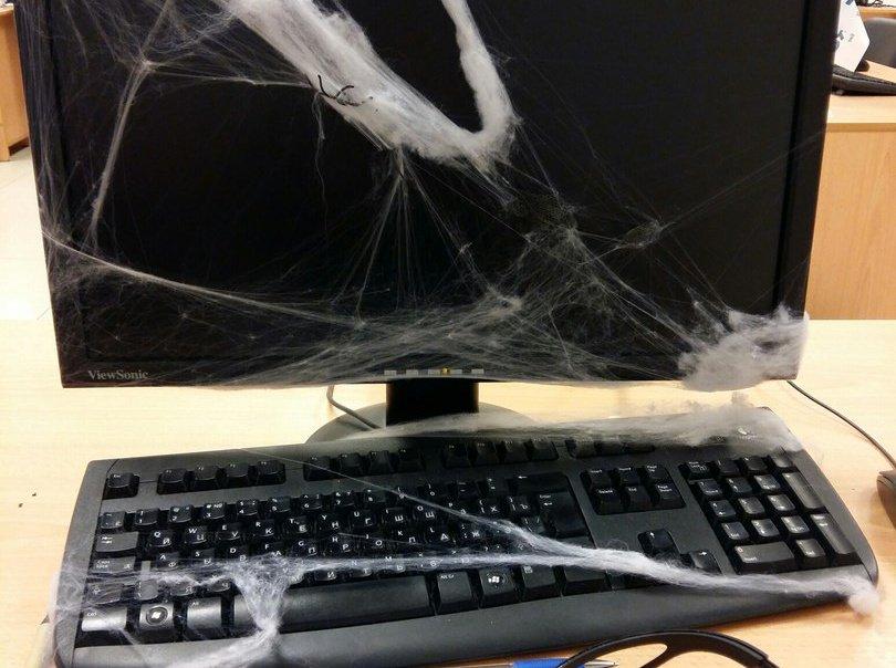 Фото компьютером в паутине дизайн
