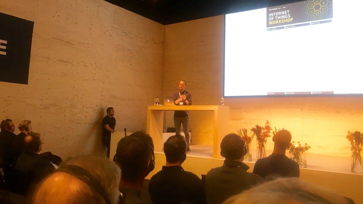 Så er Kasper på scenen til #Electronicso...