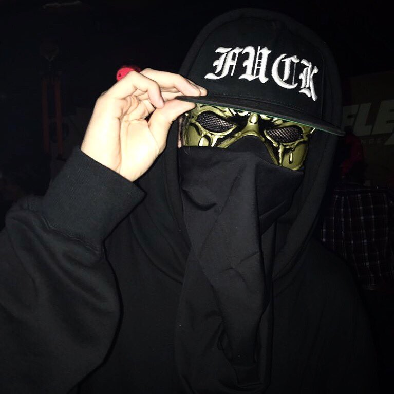 Happy Halloween  This year&#39;s costume is &quot;UZ&quot;  BIG LOVE @BallTrapMusic  #uz #qualityrecords  https:// instagram.com/p/Ba6kpBWgCNY/  &nbsp;  <br>http://pic.twitter.com/hbzBKYyHrz