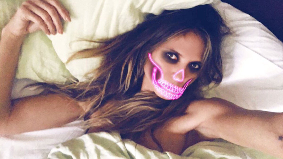 Lets have some fun Halloween  L🎃VERS ....!!  Show me all you got  😈👹🦄👻🤖☠️ #heidihalloween