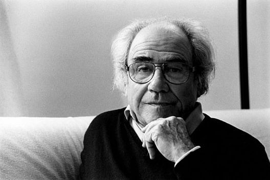 "baudrillard hyperreality essay Reality/hyperreality (2) baudrillard agrees with eco that the hyperreal ""effaces in his essay ""the work of art in the age of mechanical reproduction."