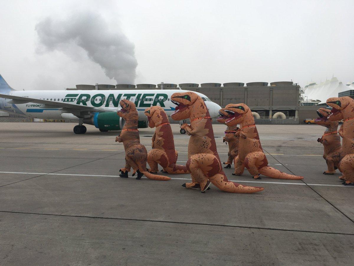 frontier airlines on twitter halloween fun denairport halloween fun denairport