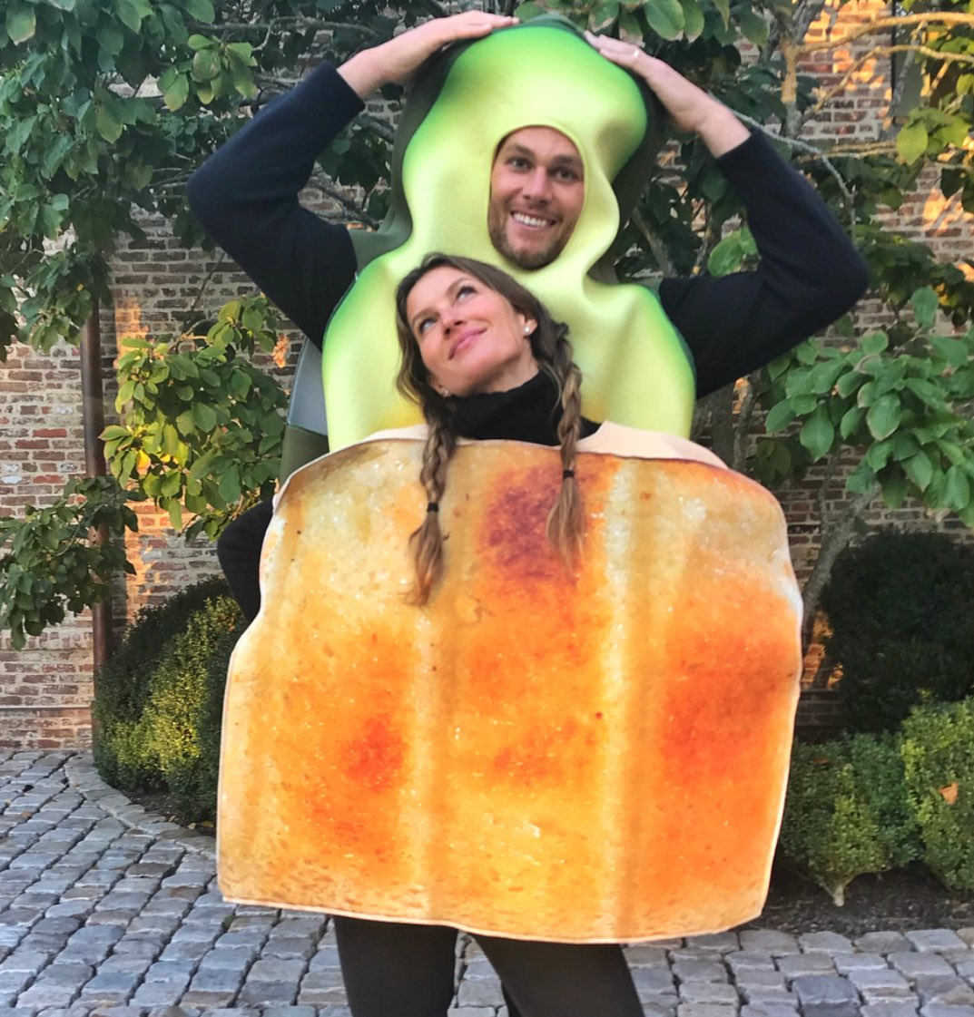 Gisele & Tom as avocado toast.