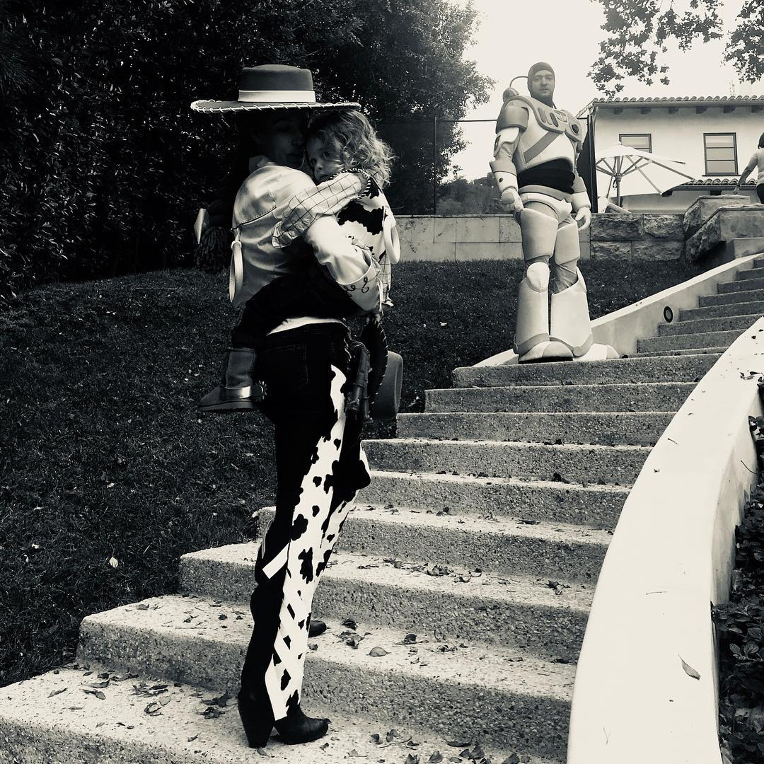 Justin Timberlake and Jessica Biel take family trick-or-treating to a whole new level