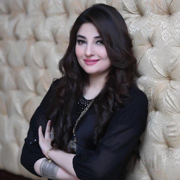 Image result for پشتو کی شہرت یافتہ گلوکارہ گل پانڑہ