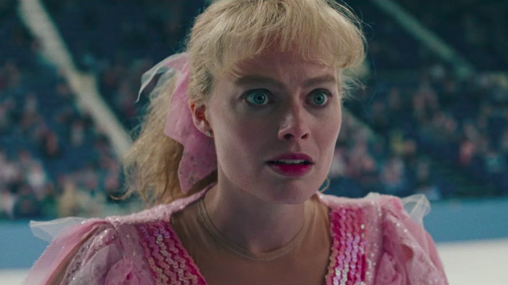 Margot Robbie is uncensored as Tonya Harding in the first full trailer for #ITonya https://t.co/jTrEYmF7tF