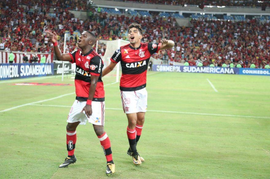 Raça e união!! Issso aqui é Flamengooooo...