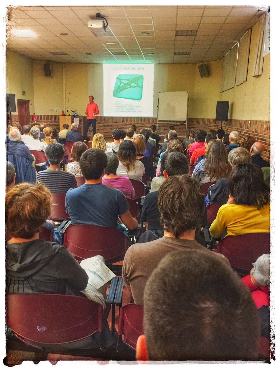 @KikeAmonarriz-en hitzaldiarekin egin dugun #PresioHeltzea irratsaioa entzungai #Zarautz https://t.co/W72uZLX6h2 https://t.co/FkwBLkVgCT