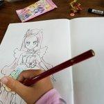 漫画家ならでは!子供に即興で塗り絵を作ることができるんだぞ!