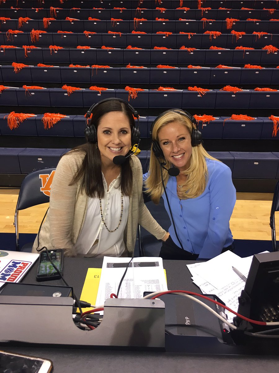 Dawn Davenport On Twitter What A Fun Match To Call With Jennyhazelwood Last Night Back On The Plains Congrats To Auburnvb On The Rivalry Win Wareagle Rolltide Https T Co Raxptrmj7s