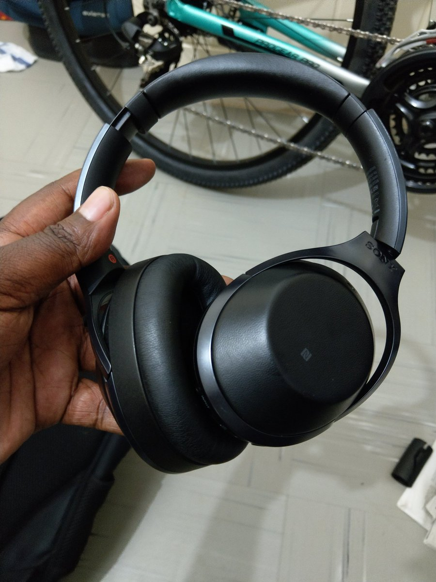 Robert Alai Hsc On Twitter Sony Mdr 1000x Are The Best Wireless Headphone Noise Cancelling Headphones I Have Ever Used Too Quiet And Comfortable