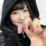 撮影中〜☺️🖤今日はピンクのネイルも🎀🎨 pic.twitter.com/pF0veXJ9PO