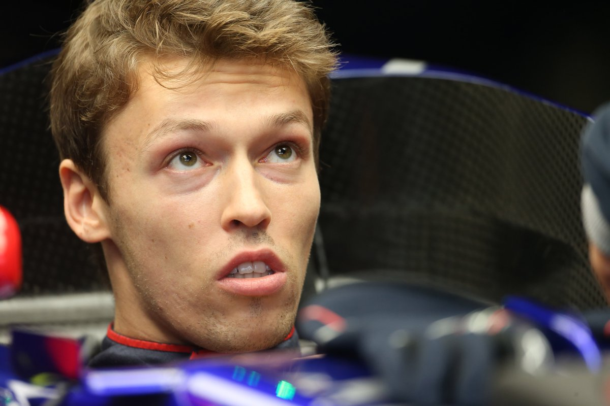 Kvyat to Williams?  http://www. crash.net/f1/news/886600 /1/kvyat-joins-williams-driver-shortlist-2018 &nbsp; …   #F1 #Kvyat <br>http://pic.twitter.com/hSS9atJFdw