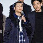 こんな写真があがってました青木さん、ちゃんじん、鈴木さんのこの何とも言えない表情そして、人前に立って…