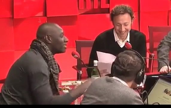"#Omar Sy ""Musicalement, je préfère Rohff à Booba""  pic.twitter.com/H8vs2xTJOt"