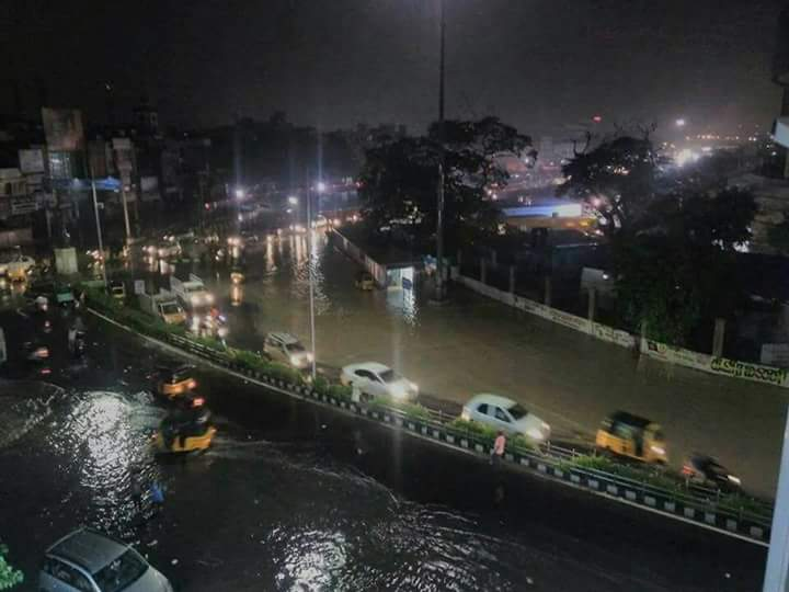Chennai faces Fear of 2015 Deluge once again! #ChennaiFloodTrap #ChennaiRains - Photos Inside