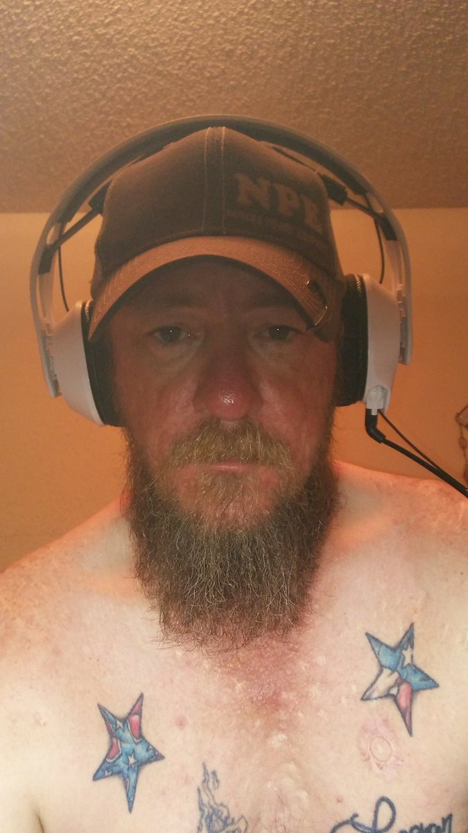 I have costom Texas and Confederate Battle flag stars tattooec on my chest! Old pic I miss my beard. pic.twitter.com/ByMgBWraGL