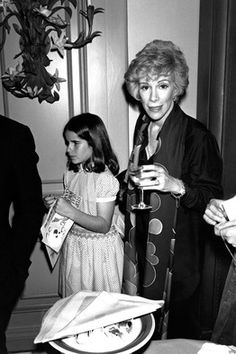 #TBT from @MelRivers: Mom loved to entertain. I found this photo of us from a dinner party at home in 1978! https://t.co/yx0BW7Oy98