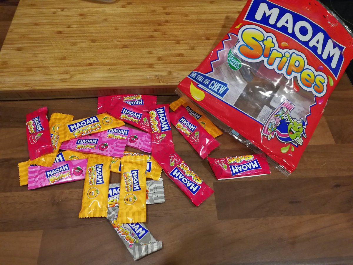 @OfficialMAOAM how unlucky am I. Only 1 strawberry and 1 apple 😥 https://t.co/yNJbweBV5z