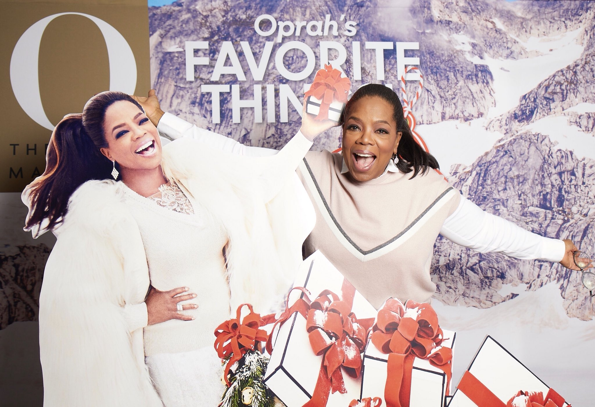 Seeing double?! FUN at the @O_Magazine Favorite Things Reveal party! ❄️ https://t.co/2zNKnHgz1l