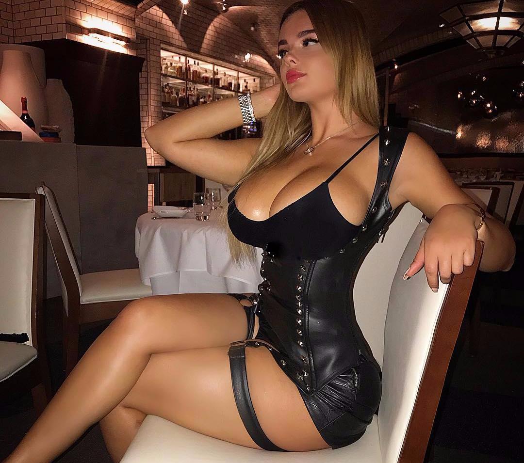 Сиськи проституток проститутки недорого красноярск