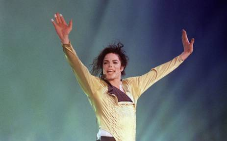 [ICYMI] Michael Jackson is @Forbes king of cash, he made a whopping $75 million in the past 12 months https://t.co/Tf83zU8cmV