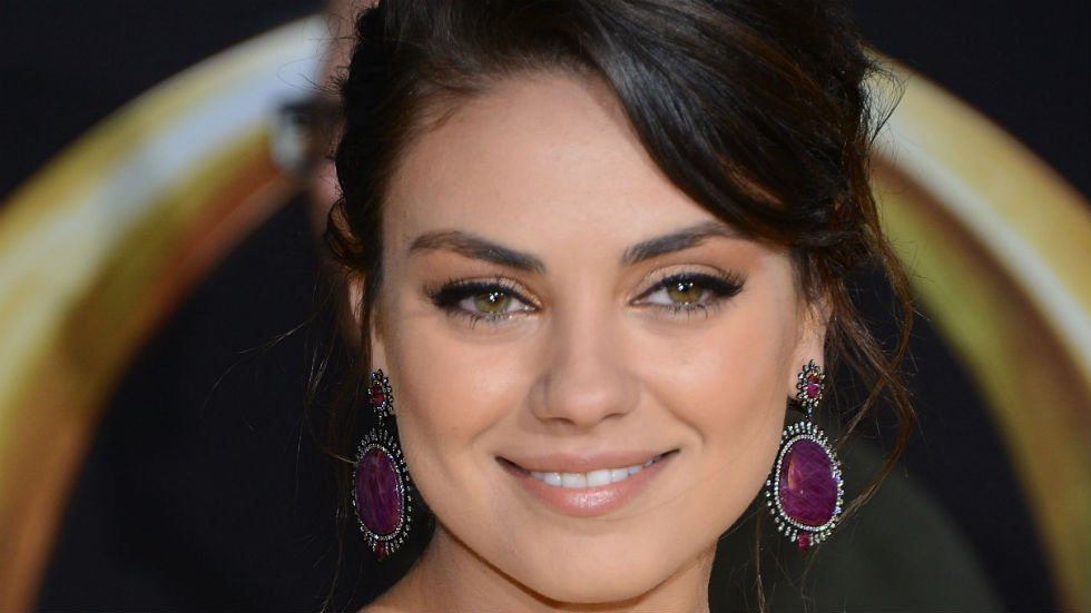 Mila Kunis donates monthly to Planned Parenthood in Pence's name so Pence gets a thank-you letter each time https://t.co/tkOpZEIlBW