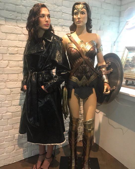 What is she is doing with my tiara?? 😜#WonderWoman https://t.co/zB6jHiiNFG