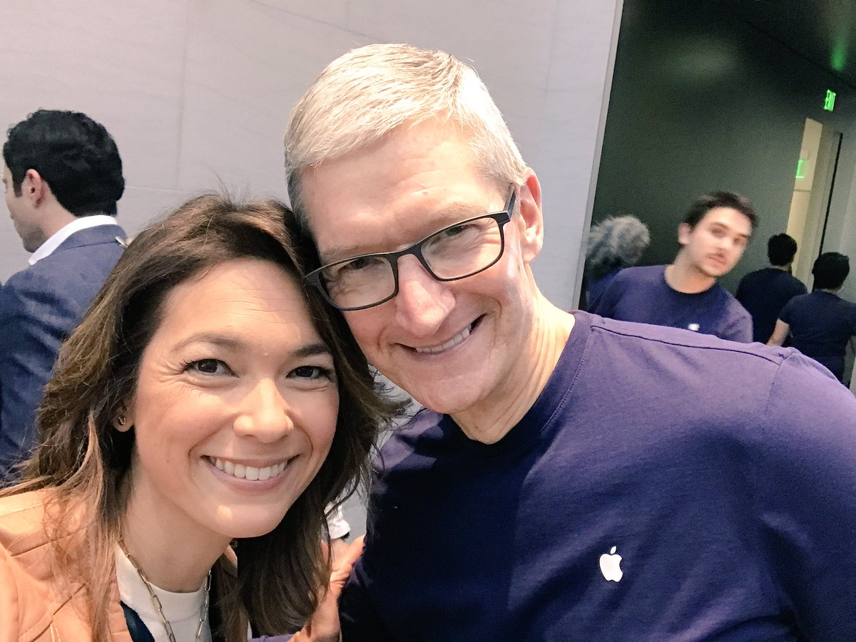 """Emily Chang on Twitter: """"A very happy @tim_cook #iPhoneX… """""""