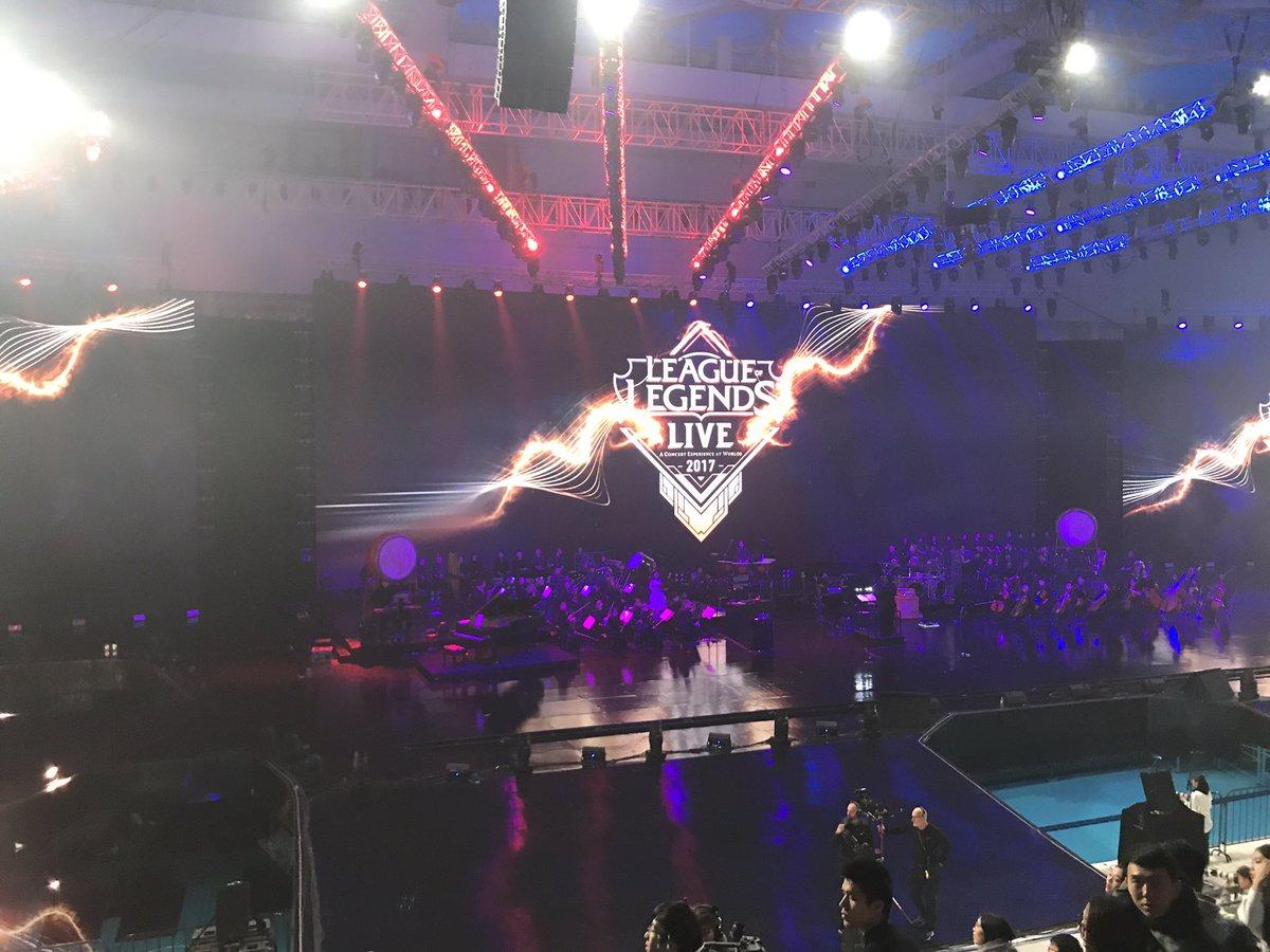 "Jonny Cheng on Twitter: ""League of legends world 2017 concert! #alanwalker  #pgone… """