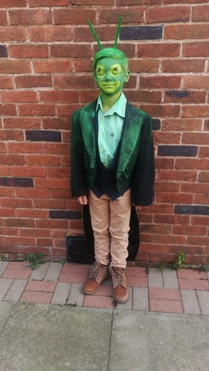 The green grasshopper from James and the Giant Peach @StPaulsPrimary1 #roalddahlday #diymum<br>http://pic.twitter.com/GtMcndnVUI