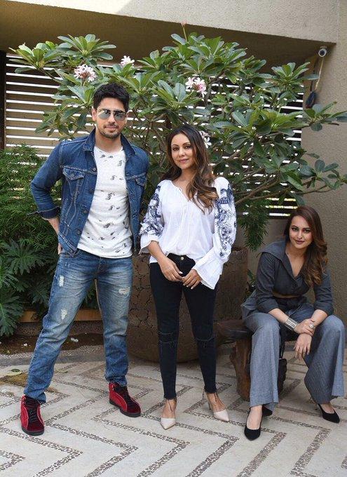 #GauriKhanDesigns had two suspects drop in... who's guilty? @S1dharthM @sonakshisinha https://t.co/r5BgZ8N30d