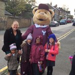 Did you see Teddy Minster coming to school? He has been encouraging us to walk, use public transport or scooters instead of cars. Agree?🛴