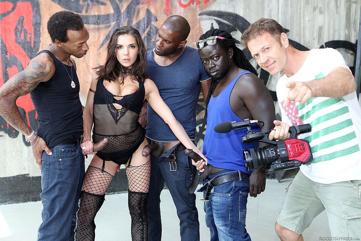 Amatuer interracial porn pics